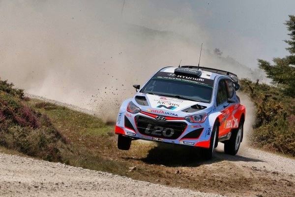Thierry Neuville (BEL) / Nicolas Gilsoul (BEL) Hyundai i20 WRC at World Rally Championship, Rd5, Rally Portugal, Day One, Matosinhos, Portugal, 22 May 2015.