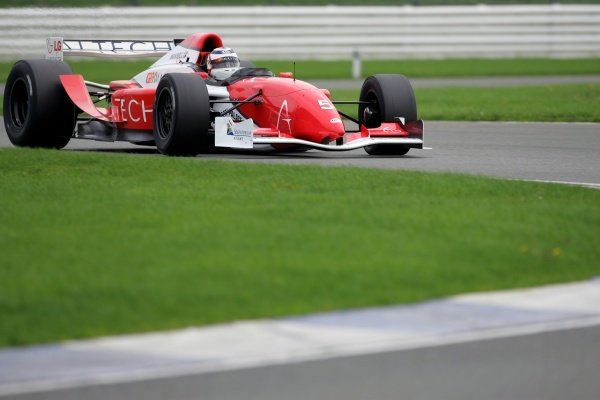 Nigel Mansell (GBR).Grand Prix Masters Testing, Day One, Silverstone, England, 26 October 2005.DIGITAL IMAGE
