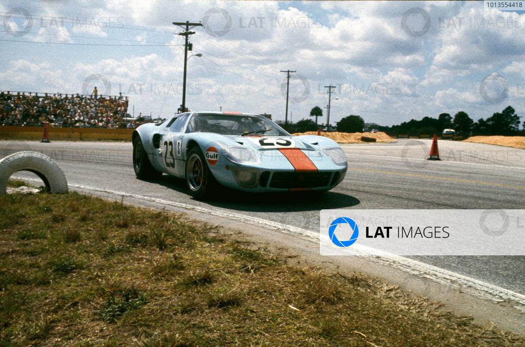 1969 Sebring 12 Hours.