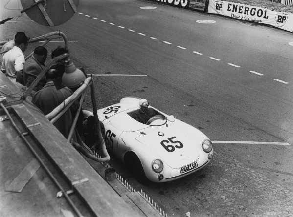 Le Mans, France. 11 - 12 June 1955.Gustave Olivier/Josef Jeser (Porsche 550), 18th position, in the pits, action. World Copyright: LAT Photographic.Ref:  Autocar Glass Plate C43732.
