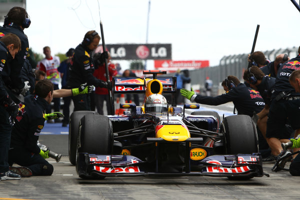 Nurburgring, Germany.22nd July 2011Sebastian Vettel, Red Bull Racing RB7 Renault, comes in for a stop. Action. Pit Stops. World Copyright: Andy Hone/LAT Photographicref: Digital Image CSP11006