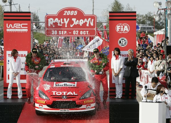 2005 FIA World Rally Champs. Round thirteen,  Rally Japan  29th September- 2nd October 2005 Marcus Gronholm, Peugeot, Podium. World Copyright: McKlein/LAT