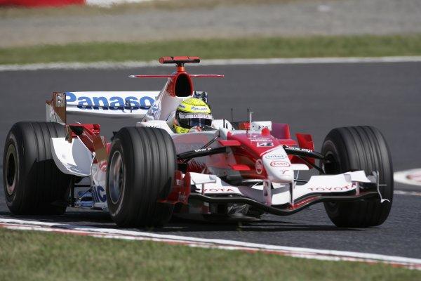 2006 Japanese Grand Prix - Saturday Practice Suzuka, Japan. 5th - 8th October 2006 Ralf Schumacher, Toyota TF106B, action. World Copyright: Charles Coates/LAT Photographic. ref: Digital Image ZK5Y6473