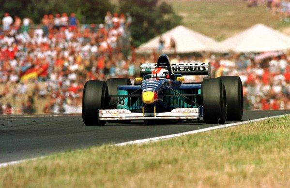 1997 Hungarian Grand Prix.Hungaroring, Budapest, Hungary.8-10 August 1997.Johnny Herbert (Sauber C16 Petronas Ferrari) 3rd position.World Copyright - LAT Photographic