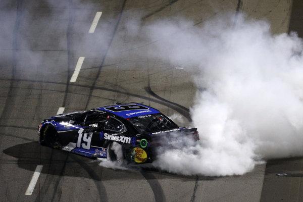 Race winner Martin Truex Jr., Joe Gibbs Racing Toyota SiriusXM, Copyright: Rob Carr/Getty Images.