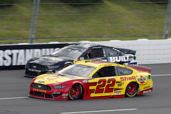 #22: Joey Logano, Team Penske, Ford Mustang Shell Pennzoil and #32: Corey LaJoie, Go FAS Racing, Built Bar Ford Mustang