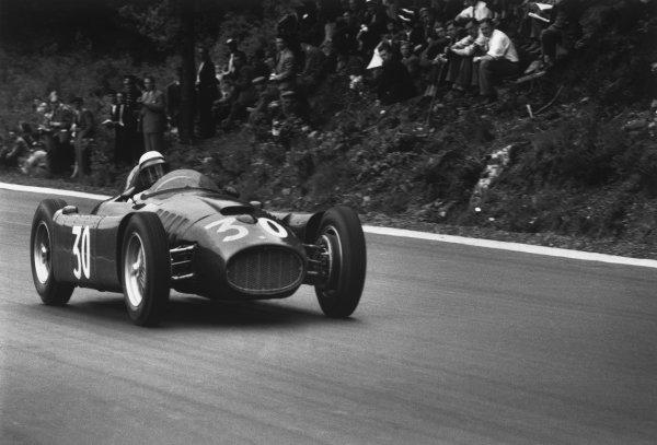 Spa-Francorchamps, Belgium. 3rd - 5th June 1955.Eugenio Castellotti (Lancia D50), retired, action. World Copyright: LAT Photographic.Ref:  B/W Print.