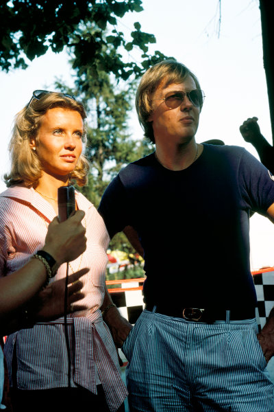 Ronnie Peterson and his wife Barbro, portrait.  World Copyright: LAT Photographic. Ref: 77F101.