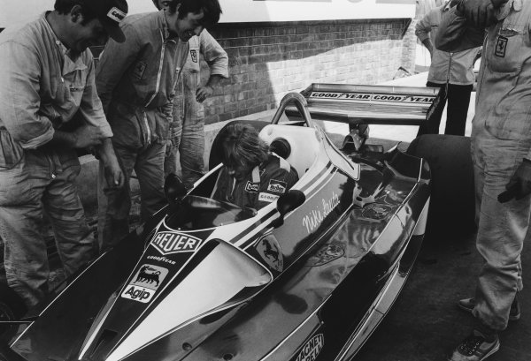 Zolder, Belgium. 14th - 16th May 1976. James Hunt tries out Niki Lauda's Ferrari 312T2 for size, action.  World Copyright: LAT Photographic. Ref: L76 - 741 - 11.