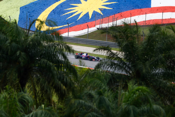 Sepang International Circuit, Sepang, Malaysia. Friday 29 September 2017. Pierre Gasly, Toro Roso STR12 Renault.  World Copyright: Steven Tee/LAT Images  ref: Digital Image _O3I1935