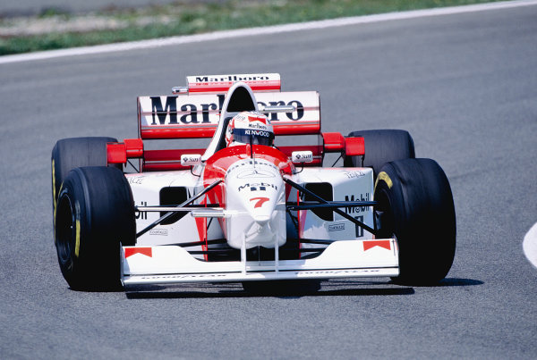 1995 Spanish Grand Prix.Catalunya, Barcelona, Spain. 12-14 May 1995.Nigel Mansell (McLaren MP4/10B).Ref-95 ESP 29.World Copyright - LAT Photographic