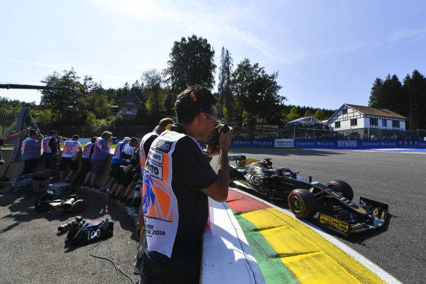 Photographers shoot Romain Grosjean, Haas VF-19