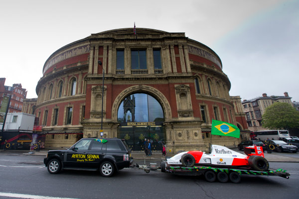 2014 Ayrton Senna Tribute. Royal Albert Hall, Kensington Gore, London. 1st May 2014. Peter Ratcliffe parades a replica 1993 Ayrton Senna McLaren around the streets of London. World Copyright: Alastair Staley / LAT Photographic. Ref: _R6T0425.jpg