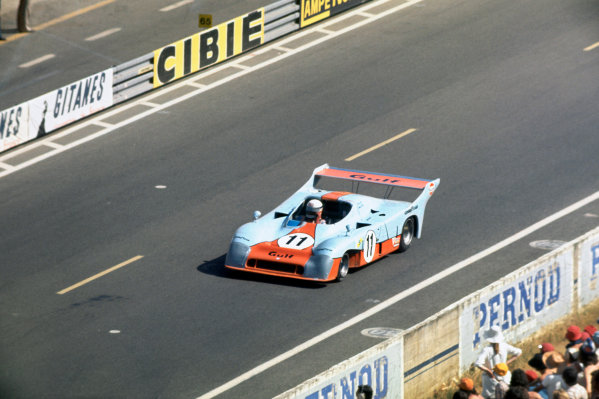 Le Mans, France. 14 - 15 June 1975 Jacky Ickx/Derek Bell (Gulf Mirage GR8-Ford), 1st position, action. World Copyright: LAT PhotographicRef: 75LM01