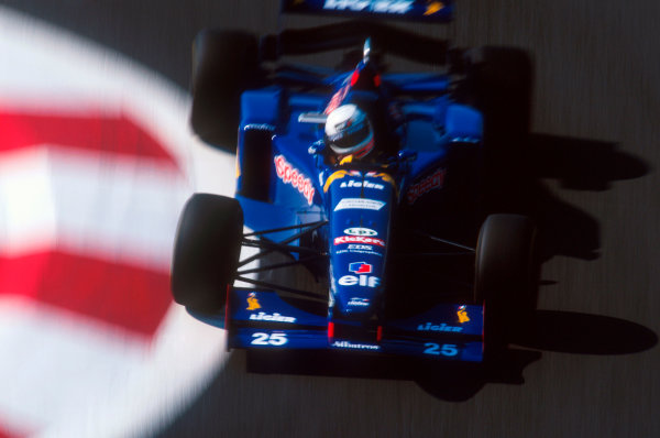 Magny-Cours, France.30/6-2/7 1995.Martin Brundle (Ligier JS41 Mugen-Honda) 4th position.Ref-95 FRA 17.World Copyright - LAT Photographic