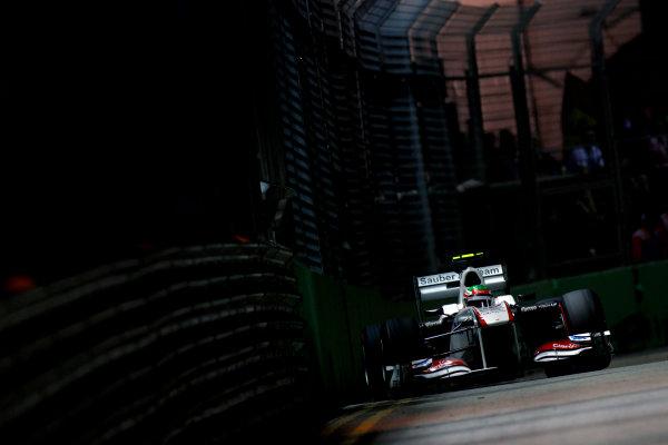 Marina Bay Circuit, Singapore.24th September 2011.Sergio Perez, Sauber C30 Ferrari. Action. World Copyright:Glenn Dunbar/LAT Photographicref: Digital Image _G7C6589