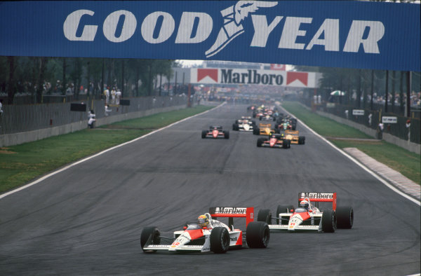 Mexico City, Mexico. 27th - 29th May 1988.Ayrton Senna (McLaren MP4/4 Honda), 2nd position, leads Alain Prost (McLaren MP4/4 Honda) 1st position, action. World Copyright: LAT Photographic.Ref:  88MEX
