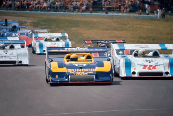 Watkins Glen, New York State, USA. 21 July 1973.Mark Donohue (Porsche 917/30KL) and George Follmer (Porsche 917/10K) lead at the start. Donohue finished in 1st position, action.World Copyright: LAT PhotographicRef: 73CANAM