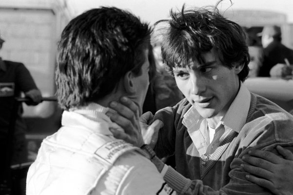 Second place finisher Ayrton Senna da Silva (BRA) (right) has a heated conversation with race winner Enrique Mansilla (ARG) (left) following a tough duel on the track. Townsend Thoresen Formula Ford 1600 Championship, Mallory Park, England, 22 March 1981.