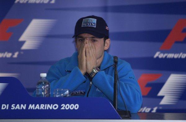 2000 San Marino Grand Prix.Imola, Italy. 7-9 April 2000.Giancarlo Fisichella (Benetton Playlife) at a press conference.World Copyright - LAT Photographic