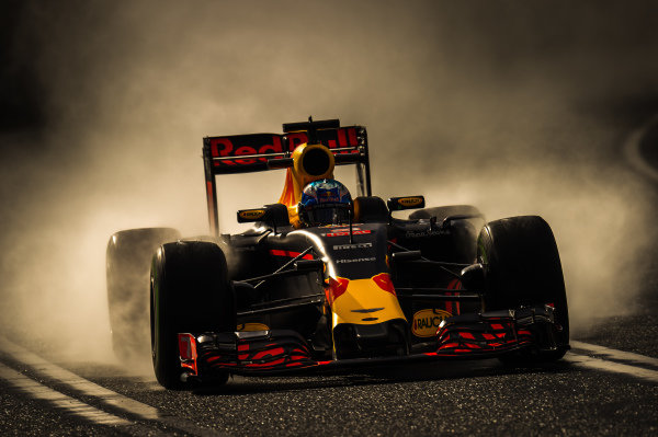 Daniel Ricciardo (AUS) Red Bull Racing RB12 at Formula One World Championship, Rd1, Australian Grand Prix, Practice, Albert Park, Melbourne, Australia, Friday 18 March 2016. BEST IMAGE