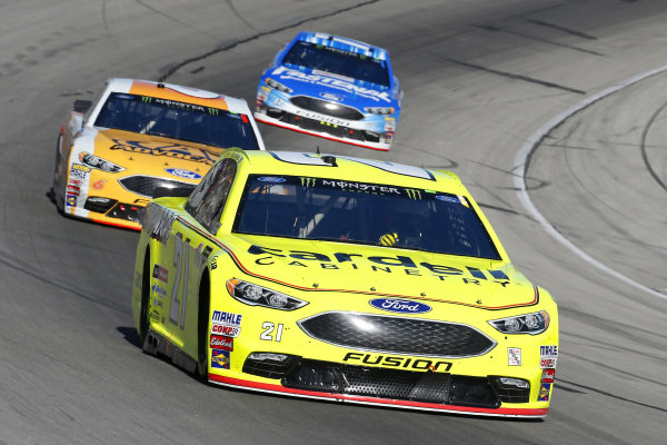 #21: Paul Menard, Wood Brothers Racing, Ford Fusion Menards / Cardell and #6: Trevor Bayne, Roush Fenway Racing, Ford Fusion AdvoCare Rehydrate