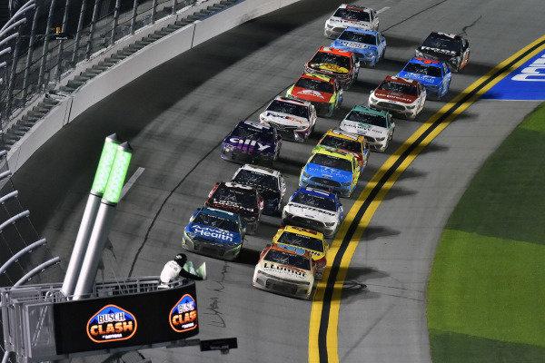 #1: Kurt Busch, Chip Ganassi Racing, Chevrolet Camaro AdventHealth and #9: Chase Elliott, Hendrick Motorsports, Chevrolet Camaro Llumar