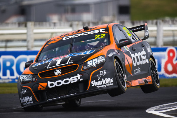 2017 Supercars Championship Round 14.  Auckland SuperSprint, Pukekohe Park Raceway, New Zealand. Friday 3rd November to Sunday 5th November 2017. James Courtney, Walkinshaw Racing.  World Copyright: Daniel Kalisz/LAT Images  Ref: Digital Image 031117_VASCR13_DKIMG_0856.jpg