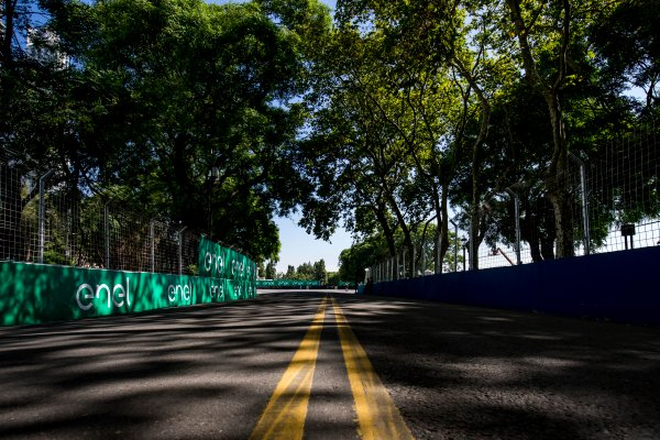 2016/2017 FIA Formula E Championship. Buenos Aires ePrix, Buenos Aires, Argentina. Friday 17 February 2017. A view of the track. Photo: Zak Mauger/LAT/Formula E ref: Digital Image _L0U8085