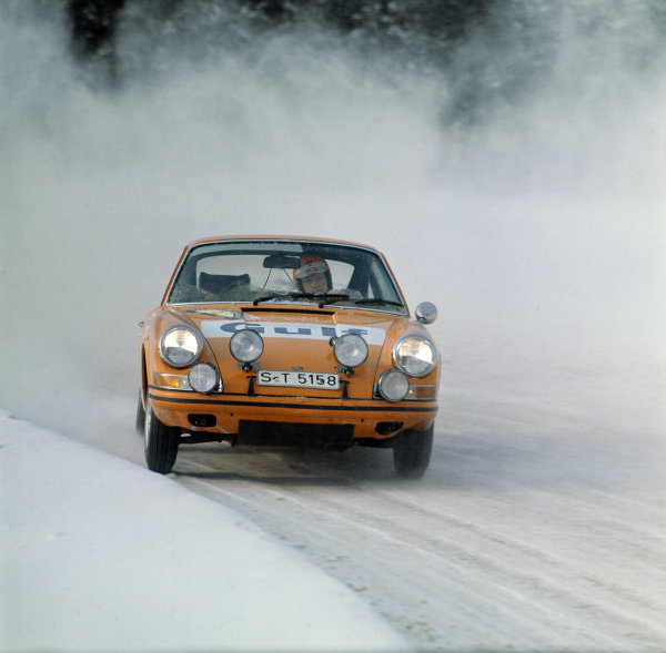 Swedish Rally. Karlstad, Sweden. 11th - 15th February 1970 Bjorn Waldegaard/Lars Helmer (Porsche 911 S), 1st position, action. World Copyright: LAT Photographic Ref: 70SWERALLY47.