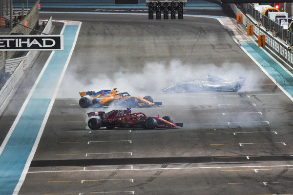 Lewis Hamilton, Mercedes-AMG F1 W09 EQ Power+, Sebastian Vettel, Ferrari SF71H and Fernando Alonso, McLaren MCL33 celebrate with donuts at the end of the race