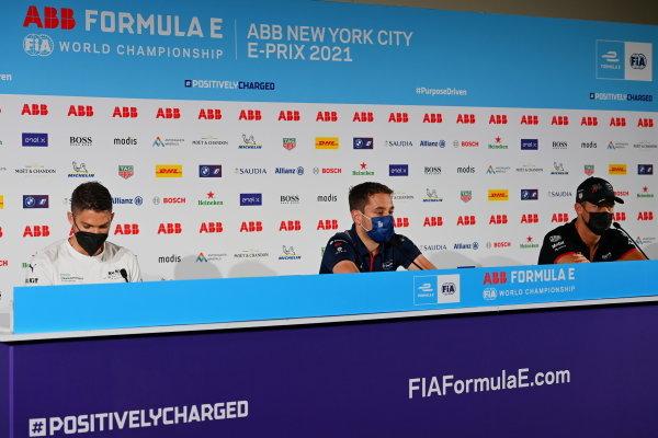 Edoardo Mortara (CHE), Venturi Racing, Robin Frijns (NLD), Envision Virgin Racing, and Andre Lotterer (DEU), Tag Heuer Porsche, in the press conference