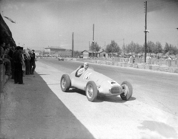 Lyon, France. 21 September 1947.Raymond Sommer (CTA-Arsenal) which retired on the first lap of its debut.Ref-Motor 778/30.World Copyright - LAT Photographic