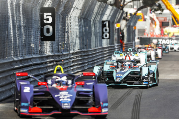 Sam Bird (GBR), Envision Virgin Racing, Audi e-tron FE05 leads Mitch Evans (NZL), Panasonic Jaguar Racing, Jaguar I-Type 3