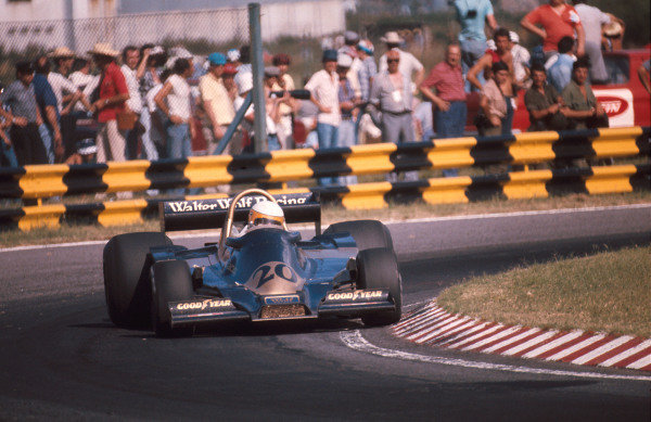 1977 Argentinian Grand Prix.Buenos AIres, Argentina.7-9 January 1977.Jody Scheckter (Wolf WR1 Ford) 1st position. Winning first time out in the team's debut Grand Prix. Ref-77 ARG 12.World Copyright - LAT Photographic