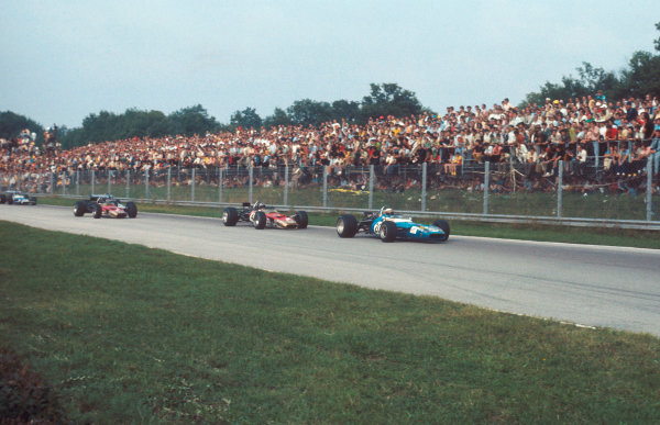 1969 Italian Grand Prix.Monza, Italy.5-7 September 1969.Jackie Stewart (Matra MS80 Ford) 1st position, followed by Jochen Rindt and Graham Hill (both Lotus 49B Ford's).Ref-69 ITA 02.World Copyright - LAT Photographic