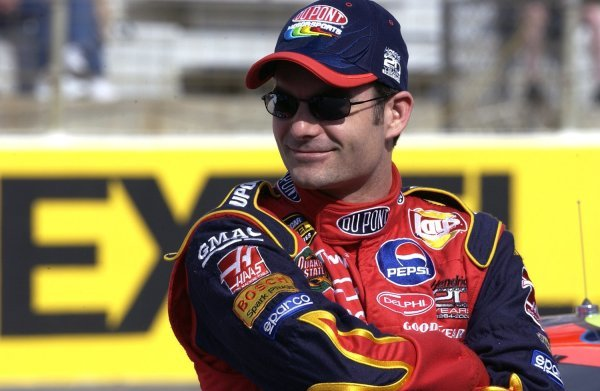 03/26/04 NASCAR Nextel Cup Series.Round 6 of 36. Food City 500. Jeff Gordon. Bristol, Tennessee, USA.