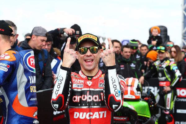 Alvaro Bautista, Aruba.it Racing-Ducati Team, Jonathan Rea, Kawasaki Racing looks on