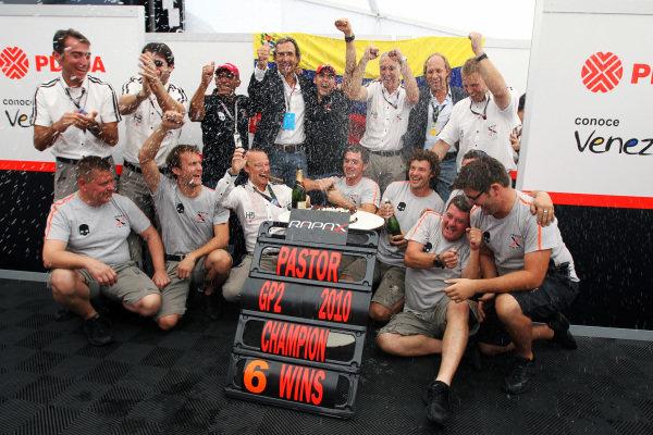 Pastor Maldonado (VEN) Rapax celebrates his GP2 Championship. GP2 Series, Rd 9, Race 2, Monza, Italy, Sunday 12 September 2010.