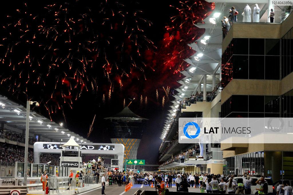 Yas Marina Circuit, Abu Dhabi, United Arab Emirates. Sunday 3rd November 2013. Fireworks fill the sky at the end of the race. World Copyright: Steve Etherington/LAT Photographic. ref: Digital Image ABD-RACE-3132 copy