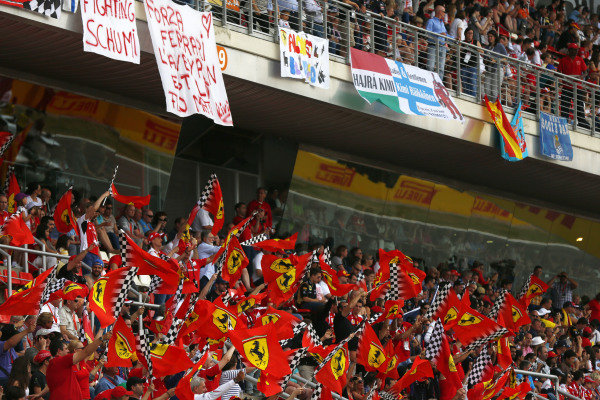 Circuit de Catalunya, Barcelona, Spain. Sunday 11 May 2014. Huge support for Fernando Alonso and Ferrari. World Copyright: Andy Hone/LAT Photographic. ref: Digital Image _ONZ1332