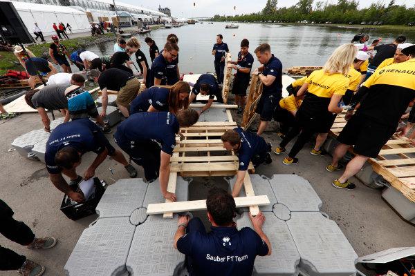 Circuit Gilles Villeneuve, Montreal, Canada. Saturday 10 June 2017. The Sauber raft race team set about building their vessel. World Copyright: Glenn Dunbar/LAT Images ref: Digital Image _X4I7036