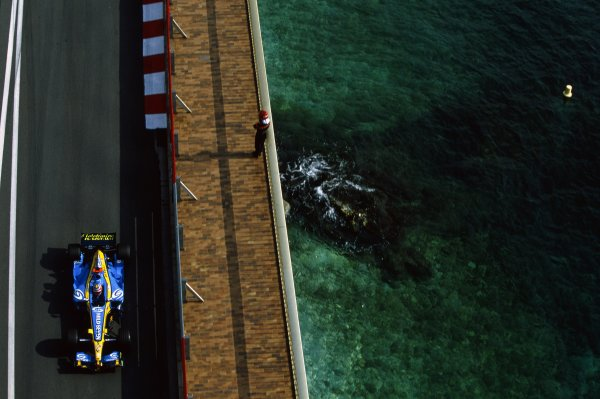 2005 Monaco Grand Prix.Monte Carlo, Monaco. 19-22 May 2005.Fernando Alonso (Renault R25), action.World Copyright: LAT PhotographicRef: 05MON41