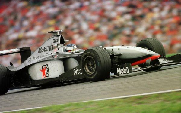 1998 German Grand Prix.Hockenheim, Germany.31/7-2/8 1998.Mika Hakkinen (McLaren MP4/13 Mercedes-Benz) 1st position.World Copyright - Steve Etherington/LAT Photographic