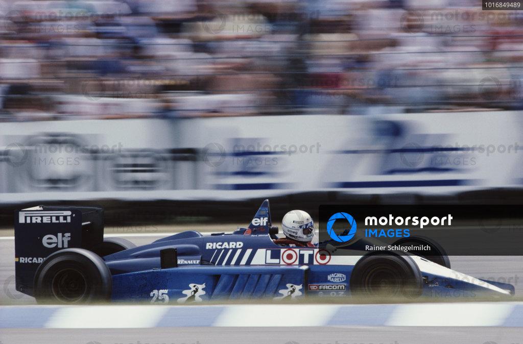 Rene Arnoux, Ligier JS27 Renault.