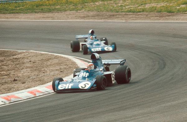 1973 Dutch Grand Prix.Zandvoort, Holland.27-29 July 1973.Jackie Stewart (Tyrrell 006 Ford) 1st position followed by teammate Francois Cevert (Tyrrell 006 Ford).Ref-73 HOL 15.World Copyright - LAT Photographic