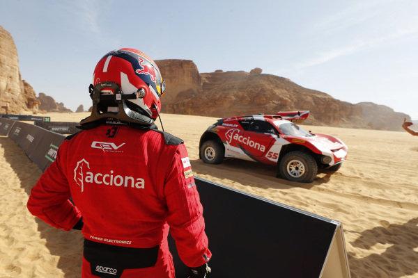 Laia Sanz/Carlos Sainz (ESP), Acciona | Sainz XE Team, driver swap
