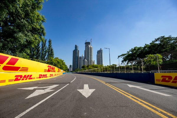 2016/2017 FIA Formula E Championship. Buenos Aires ePrix, Buenos Aires, Argentina. Friday 17 February 2017. A view of the track. Photo: Zak Mauger/LAT/Formula E ref: Digital Image _L0U8003