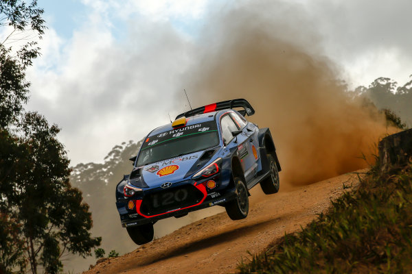 2017 FIA World Rally Championship, Round 13, Rally Australia 2017, 16-19 November 2017, Andreas Mikkelsen, Hyundai, action, Worldwide Copyright: LAT/McKlein