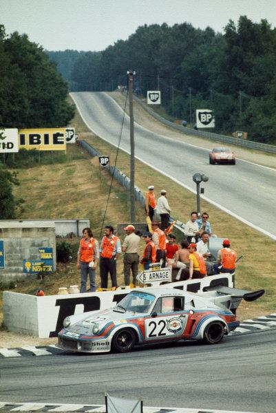 Le Mans, France. 15-16 June 1974.Gijs van Lennep/Herbert Muller (Porsche Turbo RSR), 2nd position.World Copyright: LAT PhotographicRef: 74LM12